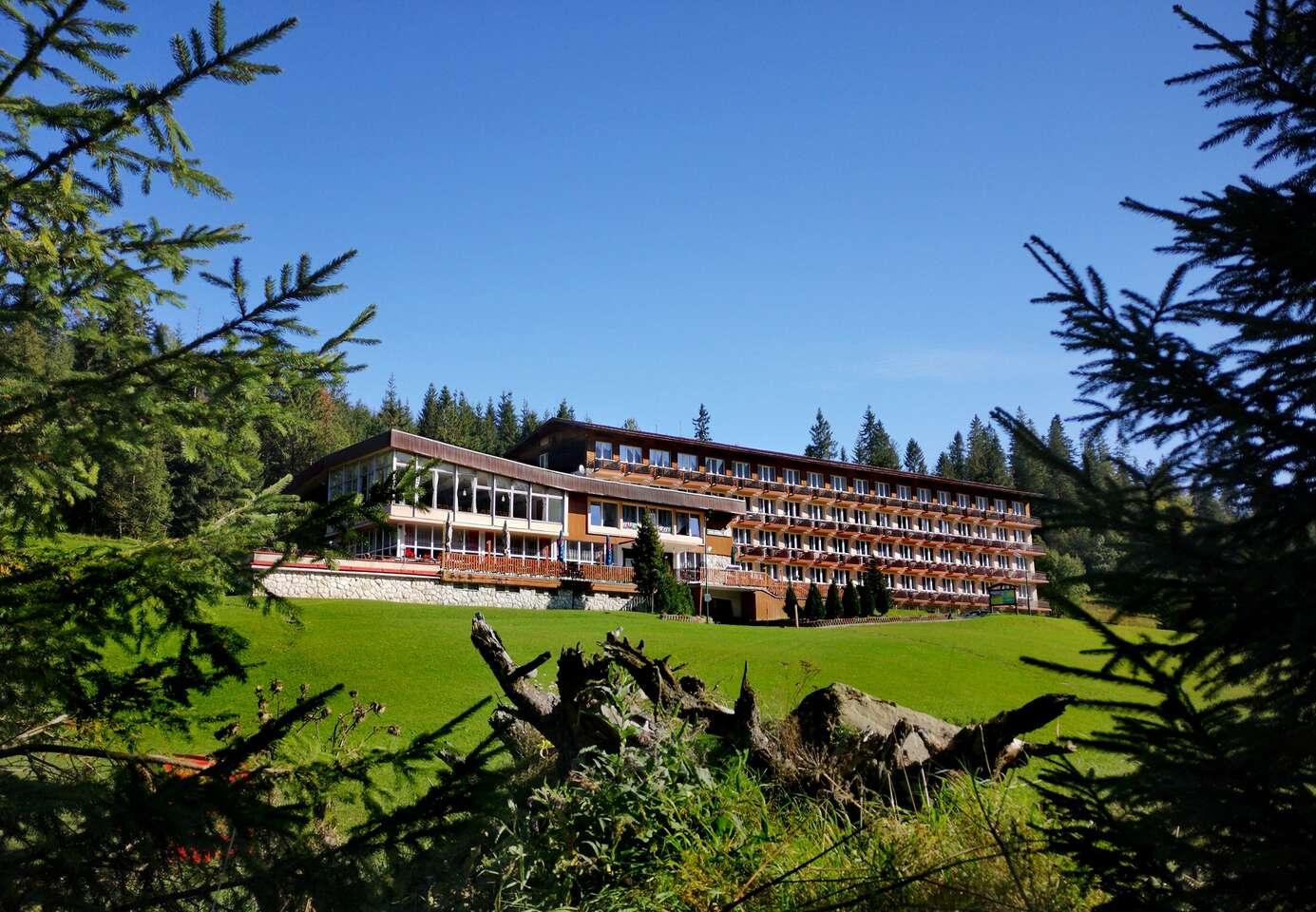 Obľúbený rodinný hotel Magura s wellness iba 3 min. autom od Bachledky