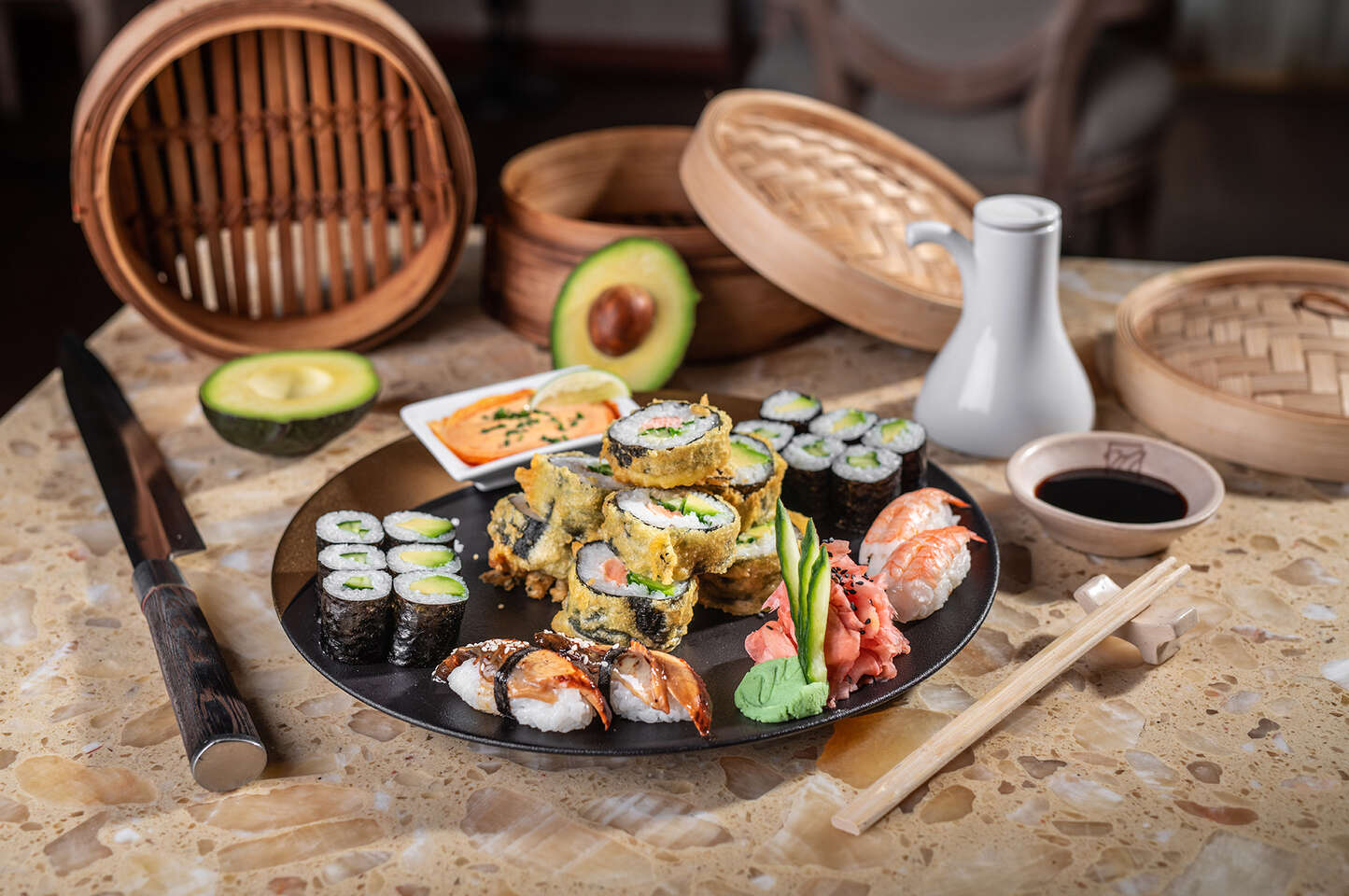 "Sushi set pre 2 osoby v reštaurácii Hotela Mama's **** formou ""take away"""