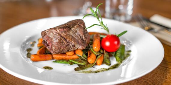 Steaky na štyri spôsoby v lukratívnom prostredí Bratislavského hradu v reštaurácii Hradná Hviezda / Bratislava – Staré Mesto