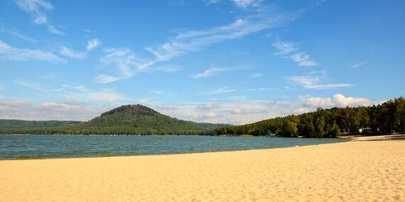 Rodinná dovolená na břehu Máchova jezera v Hotelu Bezděz*** s polopenzí a bazénem bez omezení/Staré Splavy - Máchovo jezero