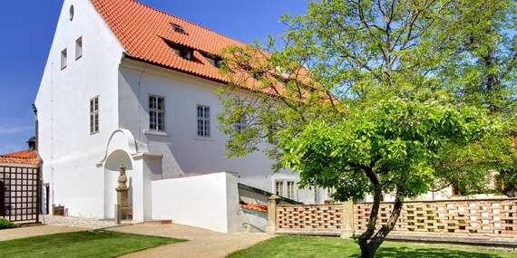 Romantický hotel Monastery**** v pokojnej záhrade s výhľadom na Pražský hrad/Praha - Česko
