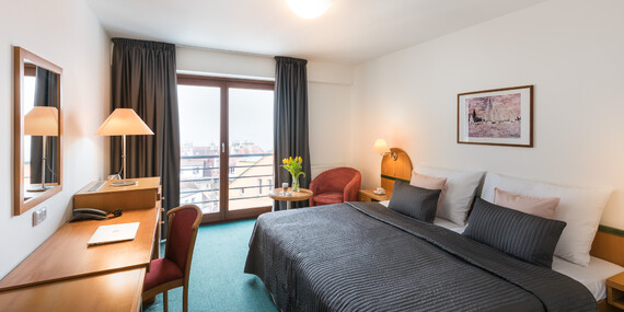 Kouzelná Praha v designovém hotelu Troja**** s bohatou snídaní a welcome drinkem / Praha - Libeň