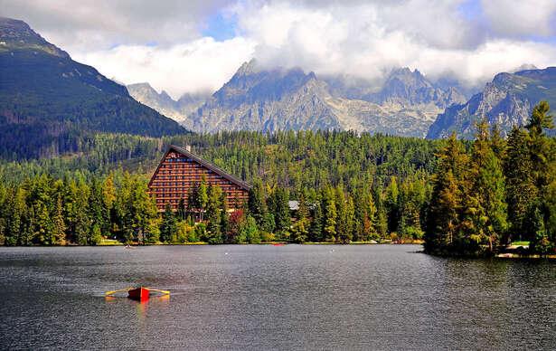Exkluzívny Hotel Patria**** priamo na Štrbskom Plese s wellness a najkrajším výhľadom vo Vysokých Tatrách