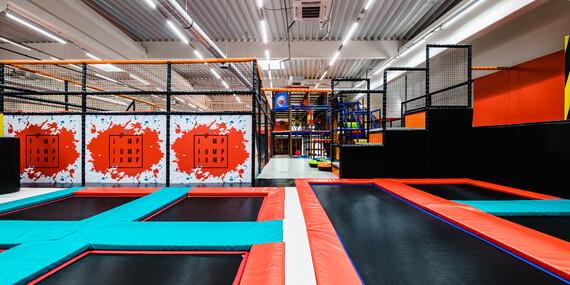 Dovádění na trampolínách v Jump Jump Jump - jednorázový vstup nebo více vstupů třeba jako dárek/Praha