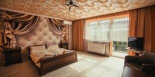 Izba s balkónom na 1. poschodí v penzióne Iveta v Radave blízko Podhájskej