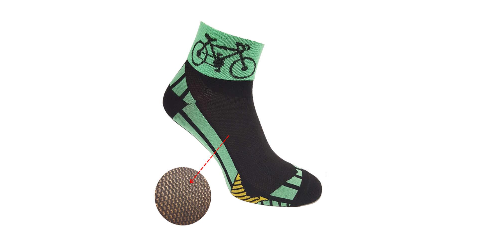 Športové cyklo ponožky alebo krátke hladké ponožky značky Foxy...