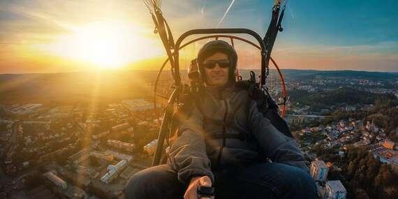 Adrenalín pri tandemovom motorovom paraglidingu okolo Liptovskej Mary / Liptov