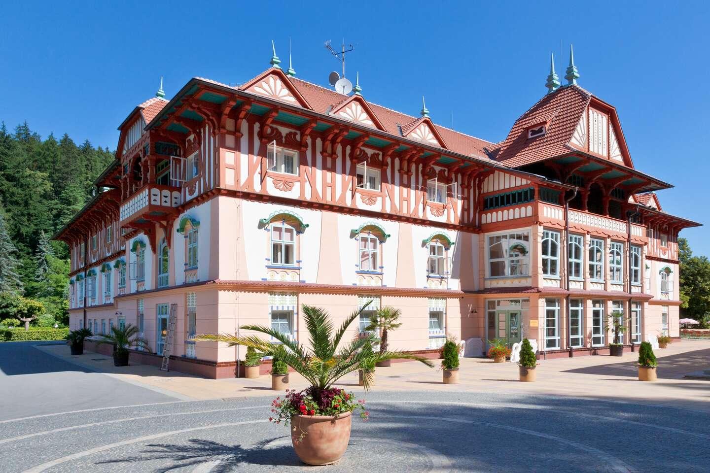 Hotel Adamantino*** pri Luhačovickej priehrade s plnou penziou a neo...