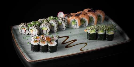 Sushi sety a welcome drink saké pre 2 alebo 4 osoby v Sushinami/Prešov