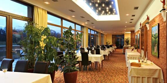 Relax pod štítmi Tatier v hoteli International**** s úžasným výhľadom z vírivky/Vysoké Tatry - Veľká Lomnica