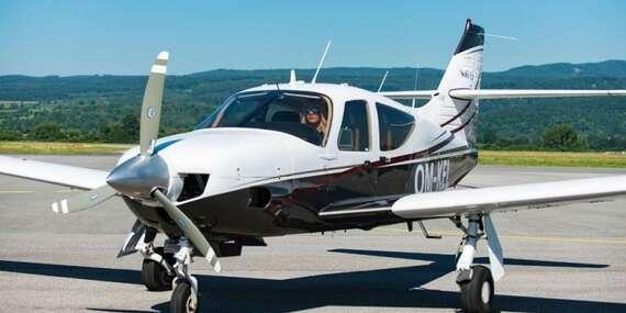 Zážitkový let pre 3 osoby s možnosťou pilotovania - poletíte rýchlosťou až 290 km/hodinu! / Letisko Očová - Sliač