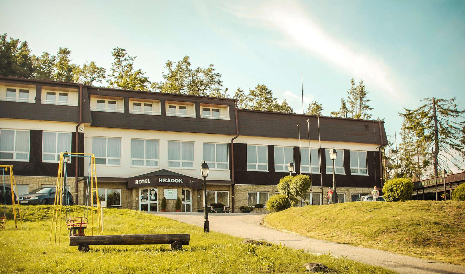 Dovolenka v horskom hoteli Hrádok*** s wellness, polpenziou a množstvom aktivít – len kúsok od jaskyne