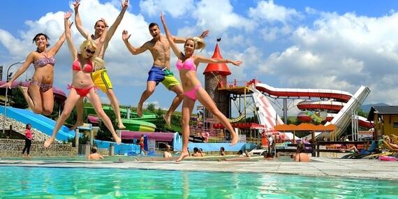 Rekreačné chalupy na Liptove – zo svahu rovno do bazéna/Liptovský Trnovec