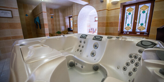 Relaxační pobyt pro 2 osoby s polopenzí, wellness a masáží v jedinečném hotelu MOST SLÁVY ***/Slovensko - Trenčianske Teplice