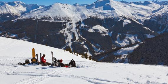 Dokonalá lyžovačka v Alpách s raňajkami a lyžiarskym svahom priamo za hotelom/Rakúsko - Bad Gastein