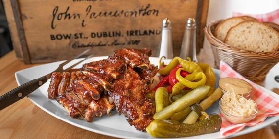 Najlepšie pochúťky k pivu – pečené rebrá, krídla alebo rezne v Beer Arene / Bratislava – Staré Mesto