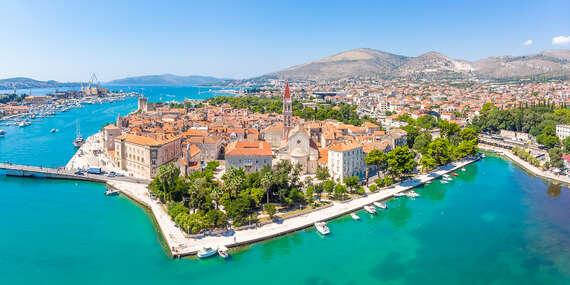 Jedinečný hotel Pašike**** přímo v historickém centru Trogiru s možností plné penze/Chorvátsko - Metajna