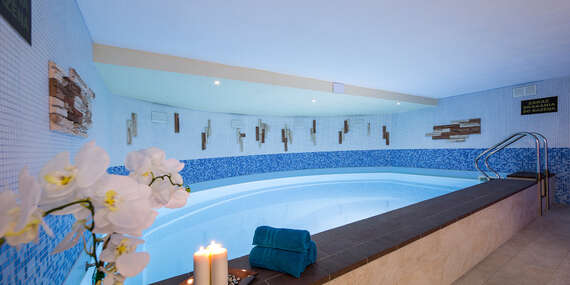 Vstup do wellness s bazénom, jacuzzi a saunou na 90 alebo 120 minút vo W hoteli/Bratislava - Devínska Nová Ves