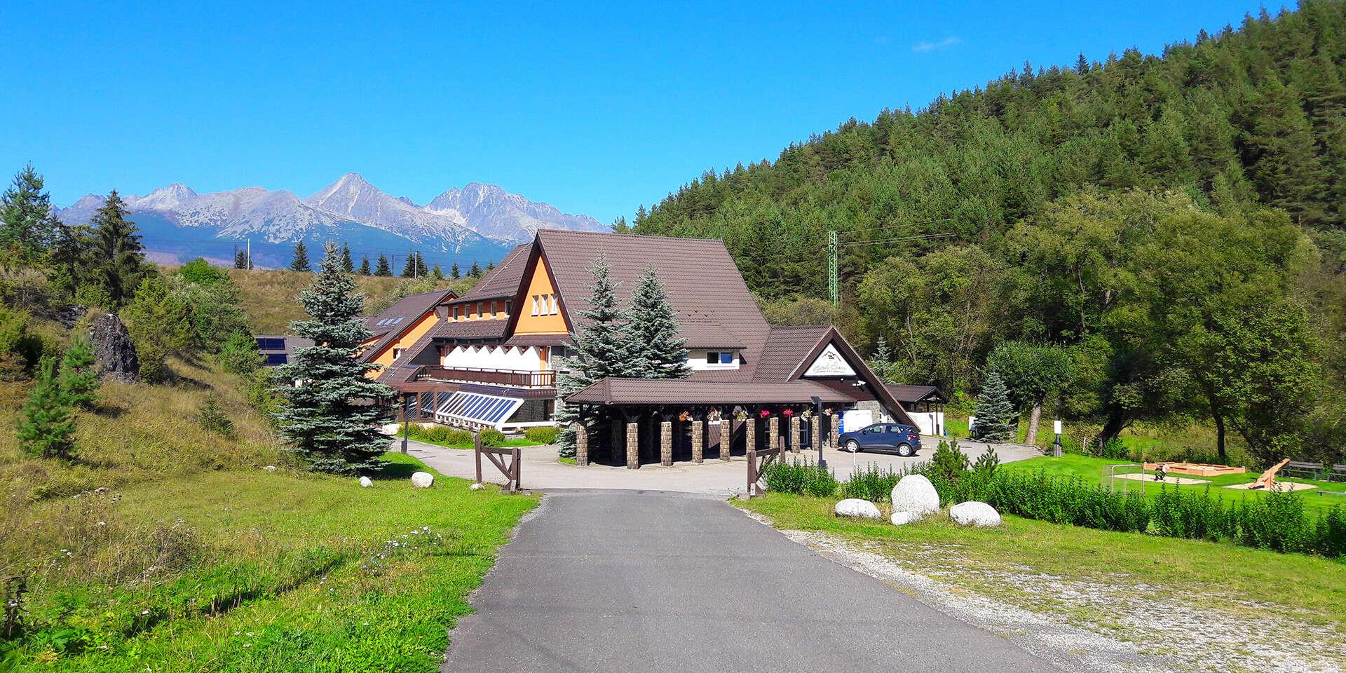 Leto a jeseň pod Tatrami v hoteli Sipox*** s neobmedzeným wellness a dieťaťom do 5 rokov, varianty na viac nocí