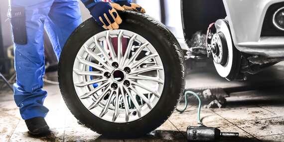 Kompletné prezutie vozidla, prehodenie kolies alebo uskladnenie pneumatík/Nitra