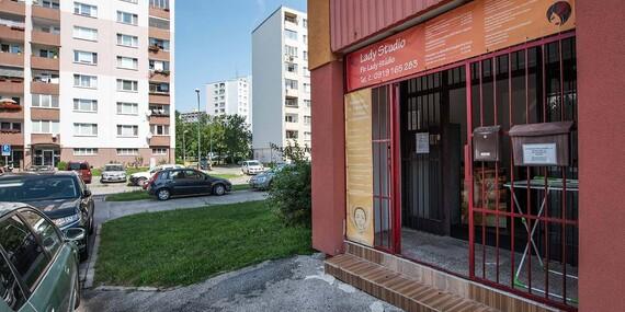 Parádny strih, farbenie alebo darčeková poukážka/Bratislava - Petržalka