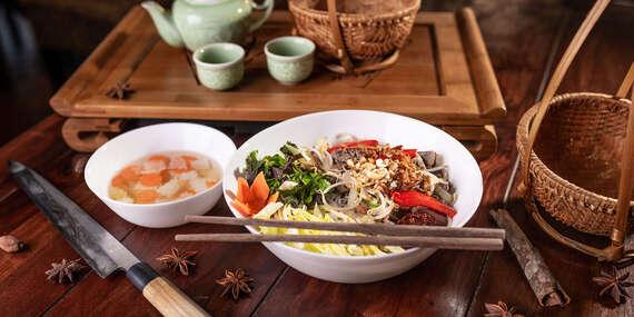 Ázijské jedlá vo vietnamskej reštaurácii Sapa Quan / Podunajské Biskupice