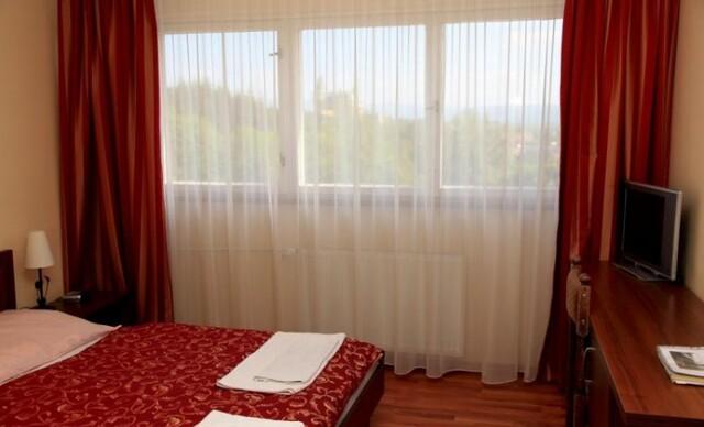 Senior pobyt s procedúrami, polpenziou a wellness na 6 dní v hoteli Regia***.
