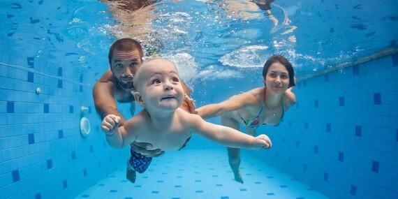 Mesačný kurz plávania pre začiatočníkov s bábätkom vo veku 7 - 11 a 16 - 24 mesiacov/Bratislava – Ružinov