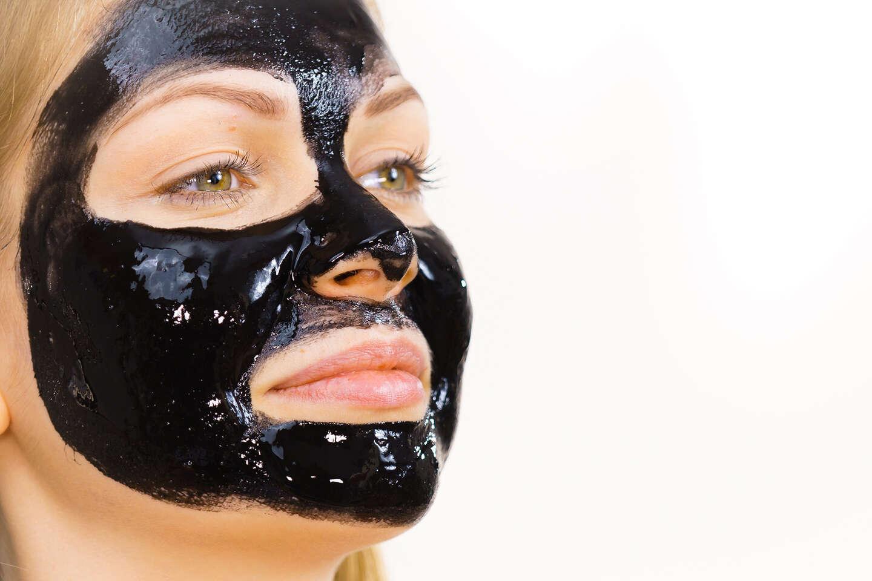 Pilaten Black Head čierna zlupovacia maska, ktorá zbaví pleť neč...