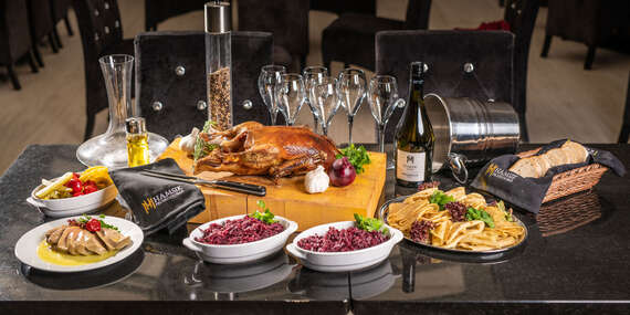 Zážitkové večerné husacie menu pre 6 - 8 osôb so živou hudbou v Hamsik Prosecco Bar & Restaurant/Bratislava - Staré Mesto