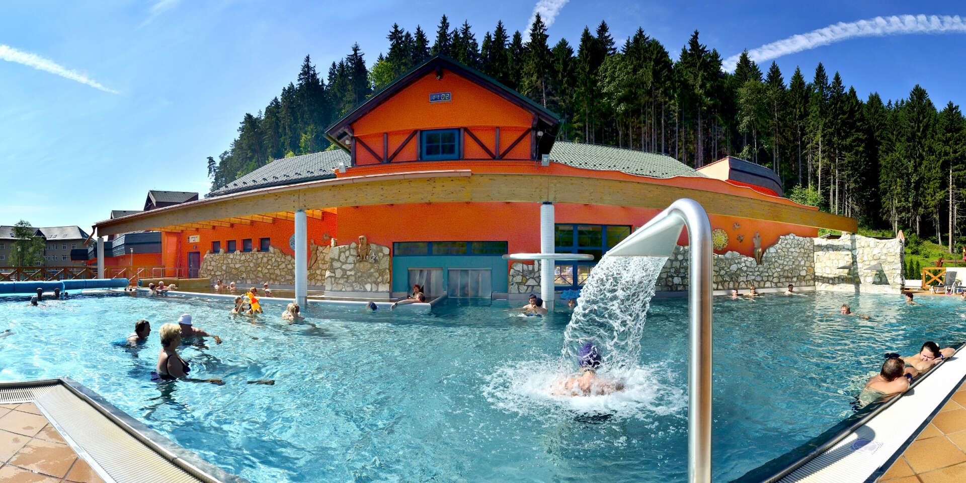 Letná dovolenka v Kúpeľnom hoteli KUBO*** v Lúčkach s plnou penziou, kúpaním a procedúrami