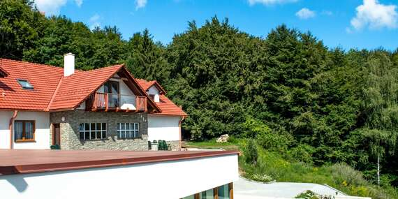Jarní LAST MINUTE na wellness pobyt v Bílých Karpatech na Chatě Jana s polopenzí a procedurami / Bílé Karpaty - Lopeník