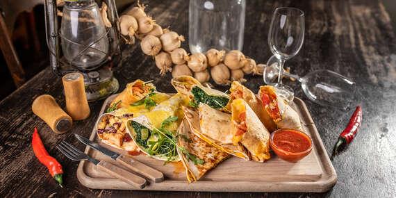 Výber najväčších mexických špecialít pre dvoch v Starom Meste v Hacienda & El Diablo / Bratislava - Staré Mesto