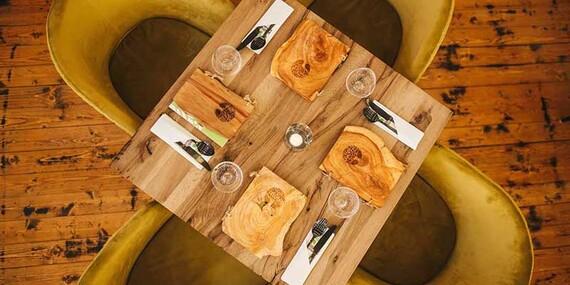 Poriadna dávka kilových grilovaných krídel v Positive Restaurant/Bratislava – Petržalka