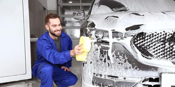 Exteriérové a interiérové ručné umytie vozidla v Easycars / Bratislava - Rača