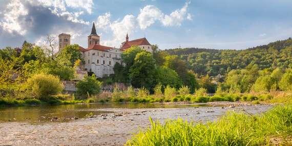Relax i kultura na břehu řeky Sázavy s polopenzí v hotelu v oblíbeném areálu Sázavský ostrov/Střední Čechy - Sázava