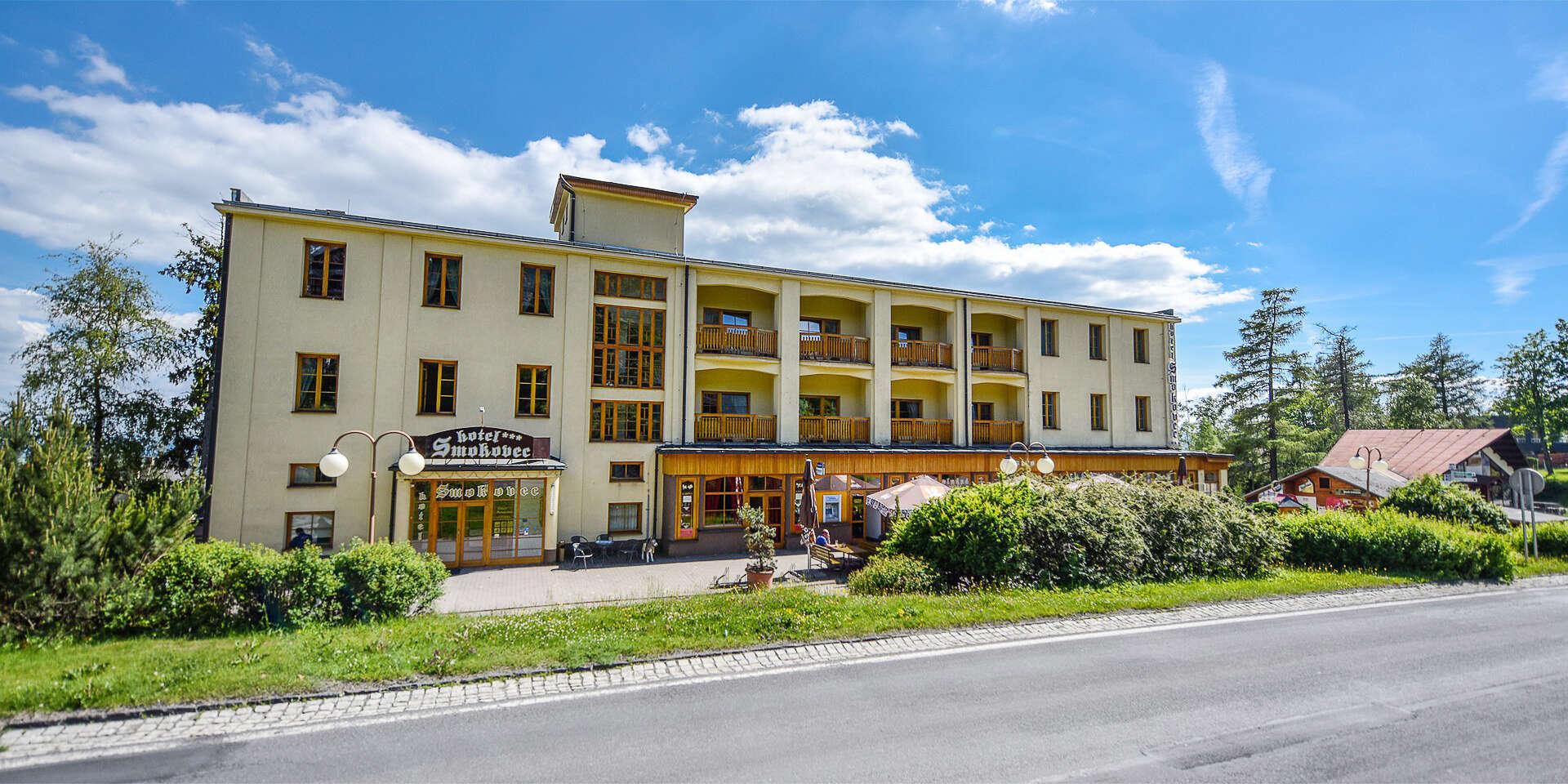 Hotel Smokovec *** Dovolenka v centre Tatier s polpenziou a wellness alebo plnou penziou