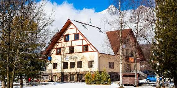 Hotel Tulipán*** blízko ski centier – so stravou, jazdou na boboch a ojedinelým výhľadom na Tatry / Vysoké Tatry - Tatranská Lomnica