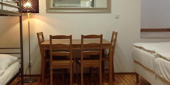 Lacné ubytovanie pre 2 a viac ľudí blízko centra Prahy v hosteli Marabou s raňajkami a dieťaťom do 6 rokov zdarma/Praha 3 - Žižkov, Česko