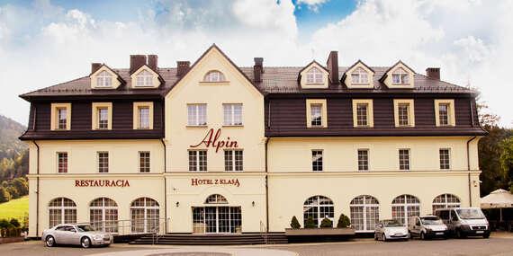 Hotel Alpin*** so skvelou polohou v centre, vychvaľovanou polpenziou a vstupom do mini SPA/Szczyrk, Poľsko