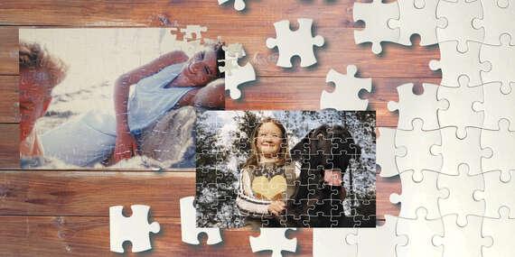 Rodinná zábava pri skladaní puzzle s vašou fotografiou/Slovensko
