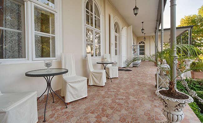 Romantika so vstupom do wellness a polpenziou v Chateau Földváry***...