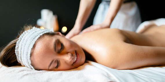 Klasická masáž s bankovaním, čokoládová celotelová terapia alebo celotelová masáž s lávovými kameňmi/Košice - Staré Mesto