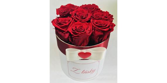 Valentínsky box plný trvácnych ruží pre vašu polovičku/Slovensko