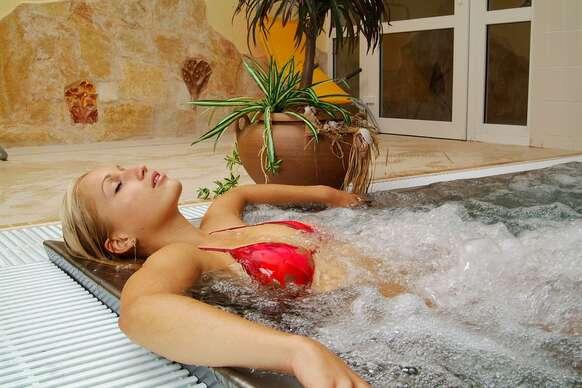 Intenzívny relaxačný balíček s pobytom v hoteli Flóra*** v Trenčianskych Tepliciach