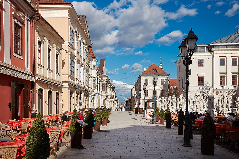 Relax v luxusných apartmánoch priamo v historickom centre mesta Gy