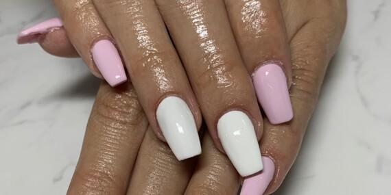 Gélové nechty, manikúra a výživný zábal na ruky a nechty/Nitra