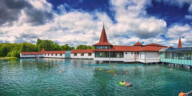 Orientálny Amira Boutique Hotel**** s voľným vstupom do wellness pri termálnom jazere Hévíz